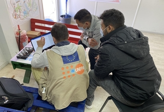 Young male refugees and migrants participate in an IT session at a UNFPA-supported Boys and Young Men Centre in Bosnia and Herzegovina. Photo: UNFPA Bosnia and Herzegovina